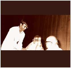 With distinguished mrdangist Palghat Ramachandra Iyer and renowned vocalist Semmangudi Srinivasa Iyer.